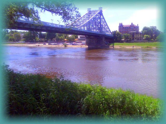 freischwebende Brücke Dresden