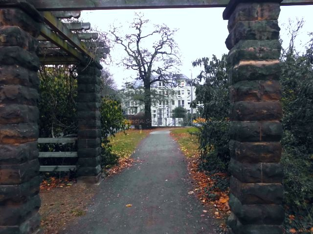 Labengang Park am Dresdner Diakonissenweg
