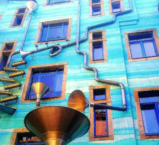 Hof der Elemente Dresdner Neustadt sehenswertes Regenwasserspiel