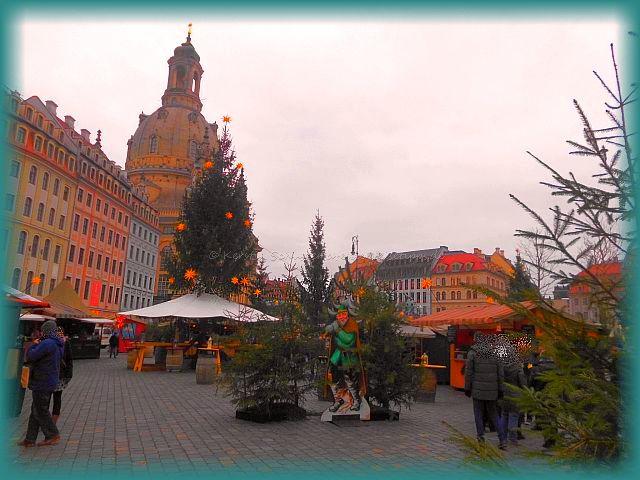 besonderer Weihnachtsmarkt Dresden Advent auf dem Neumarkt