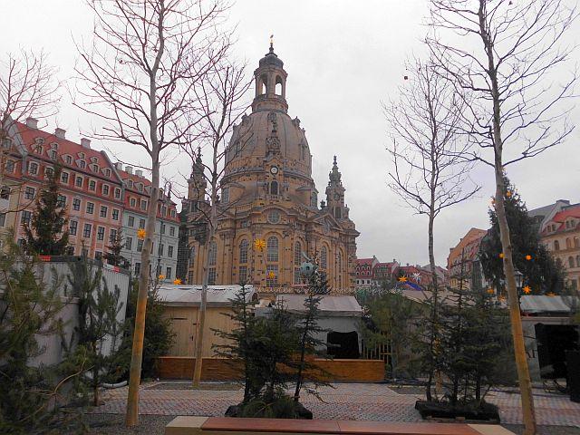kleiner Weihnachtsmarkt in Dresdens historischer Altstadt