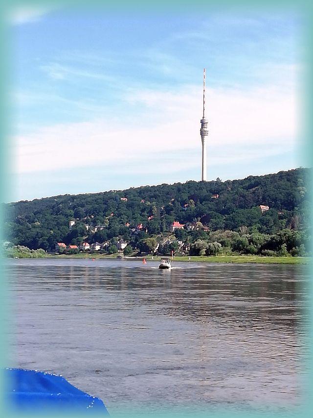 Elbe Bootsfahrt Dresden mit dem Gummiboot